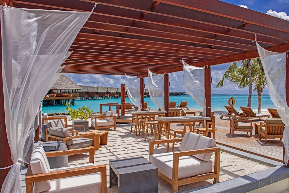 Heritance Aarah Outdoor Dining by the Pool